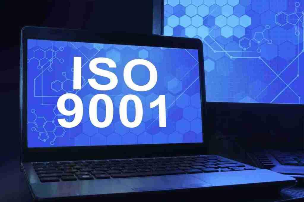 Buchtipp: Die neue ISO 9001:2015 in Kürze: Änderungen für den betrieblichen Alltag verständlich erklärt
